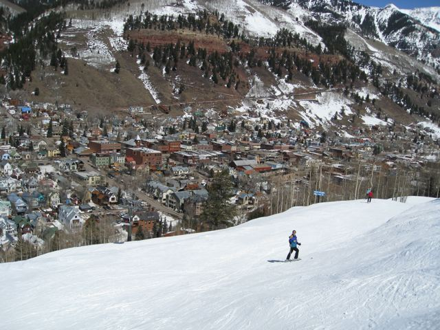 skiing-down-telluride-trail.jpg